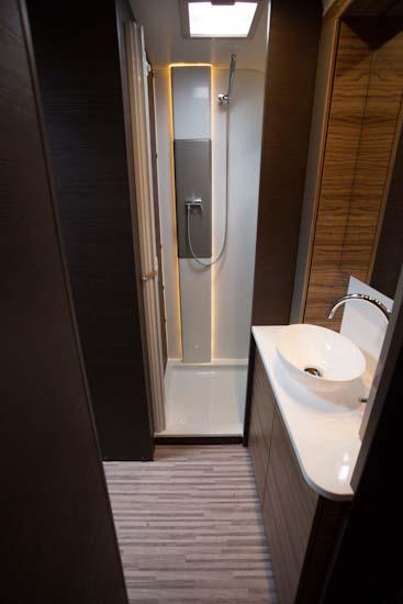Badeværelset er i en klasse for sig selv i Astella Glam 663 TK
