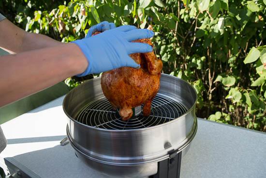 Kyllingen presses ned over dåsen