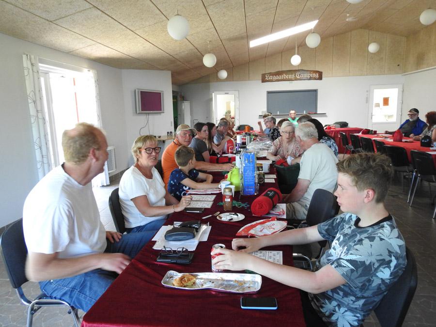Traditionen tro blev stævnet indledt med generalforsamling, samt bingo med efterfølgende fællesspisning.