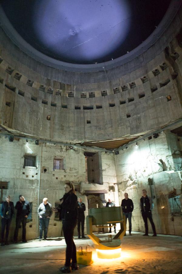 Kernen i bunkeren hvor kanonerne og ammunitionselevatorer m.m. skulle have været