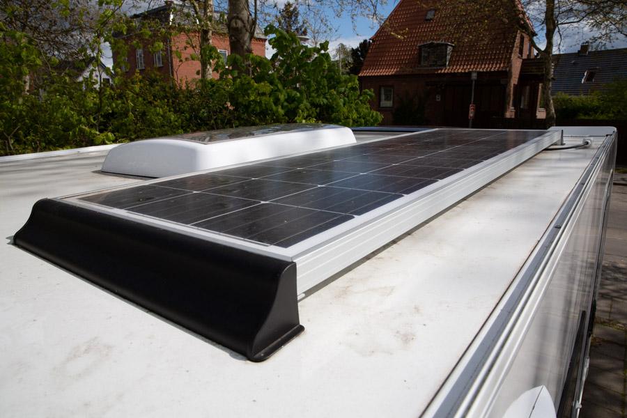 Vores solcelleanlæg - Carbest 140W CB -er købt som et komplet sæt