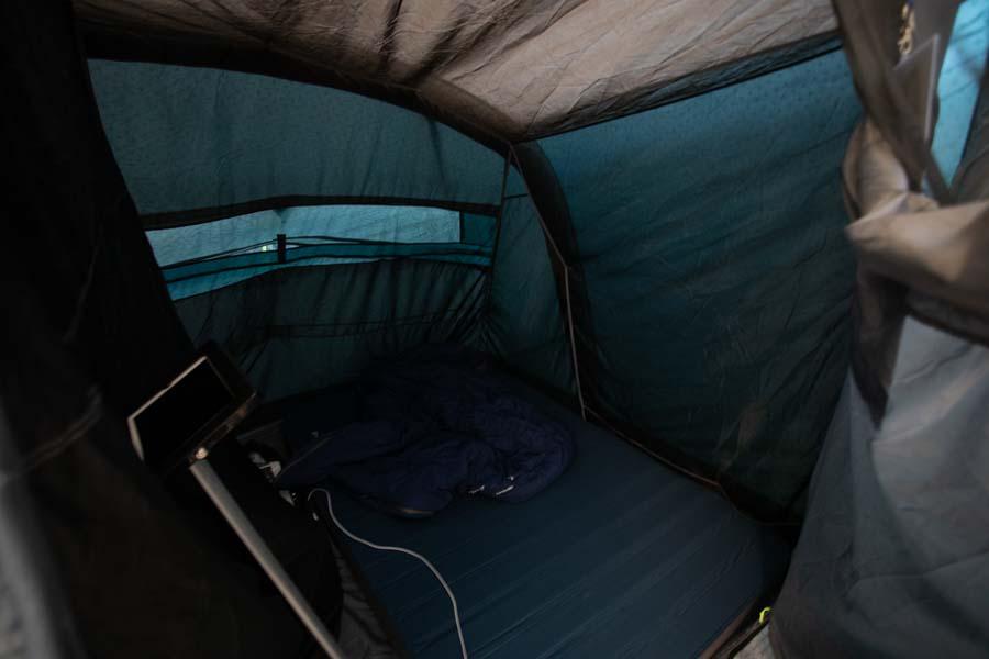 Outwells nye Dark Inners sovekabiner sikrer at der er mørkt i kabinen – også når solen er stået op.