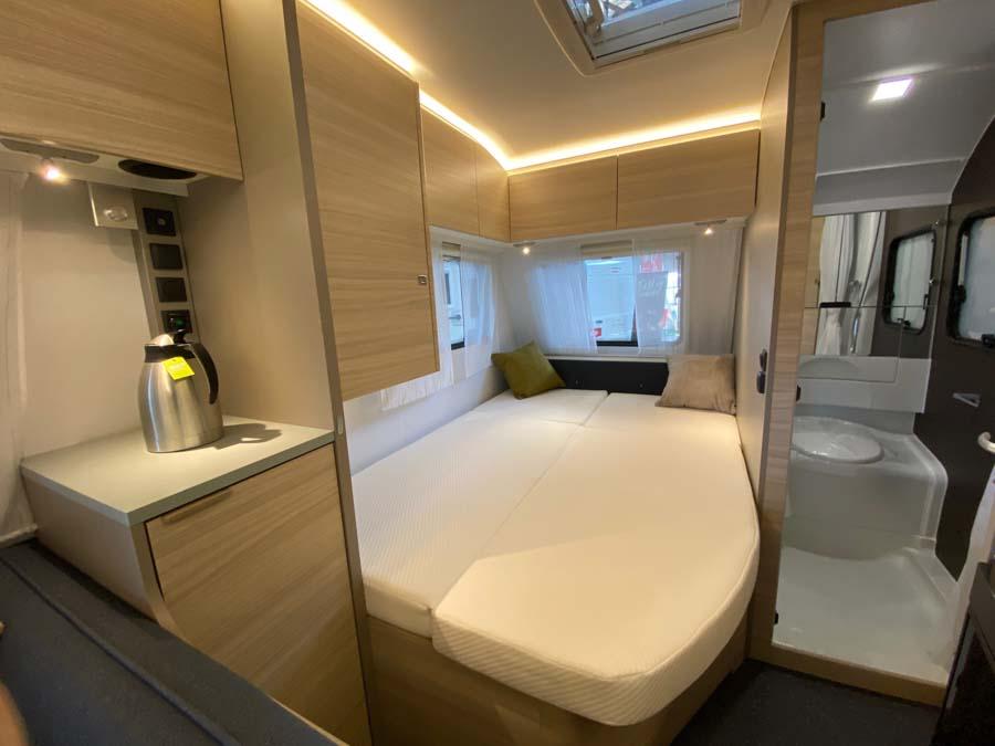 Adria Altea 432 PX er indrettet med dobbeltseng