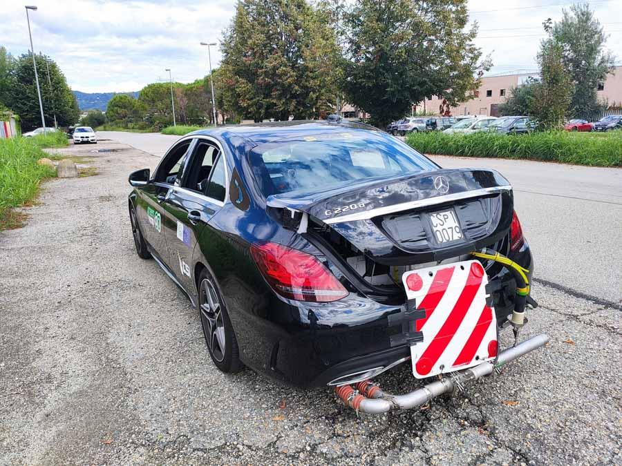 Green NCAP har i år skærpet kravene til bilers udledning af skadelige stoffer. Alligevel imponerer Mercedes-Benz C-klasse med et meget lavt niveau af emissioner. (Foto: Green NCAP/FDM)