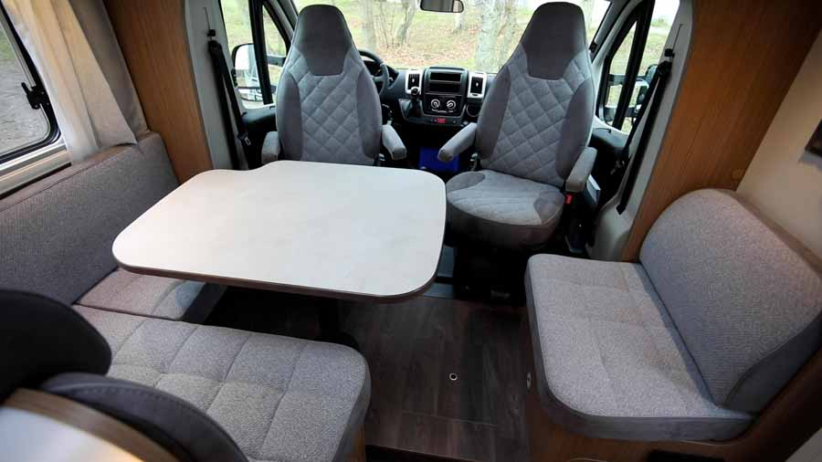 Carado T447 Clever Plus Autocamp All In flotte siddegruppe