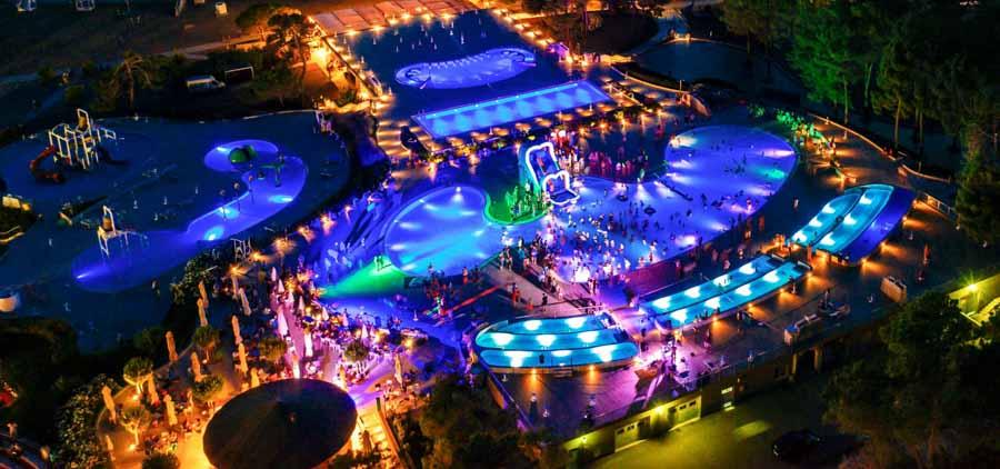 zaton holiday resort pool disco