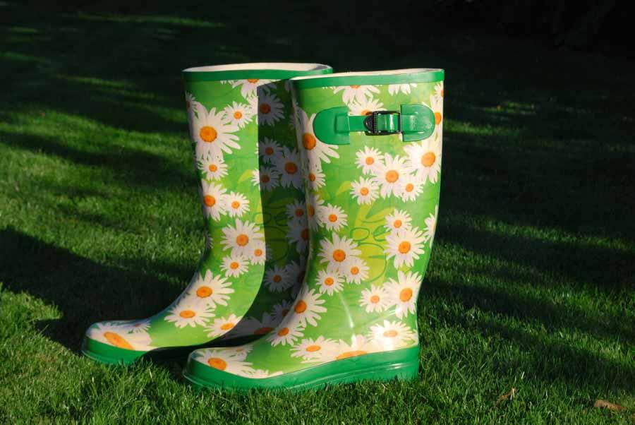 Et par lækre, sjove eller anderledes gummistøvler er en god gave på mors dag
