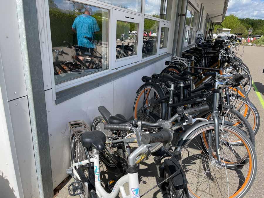 Nu kan du leje cykler - også el-cykler - på First Camp Frigård Camping